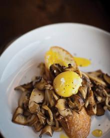 Mushrooms with Egg Yolk